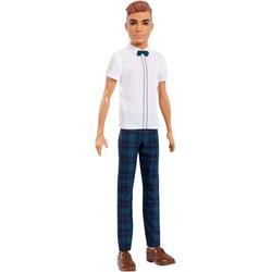 Barbie - Poupée Ken Fashionistas 117 - Chemise blanche et pantalon écossais