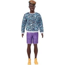 Barbie - Poupée Ken Fashionistas 153 - Sweat léopard et short violet